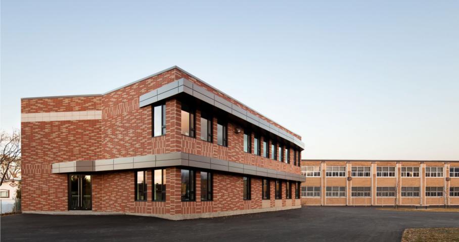 Agrandissement de l'école primaire  Adélard-Desrosiers Cecobois 1
