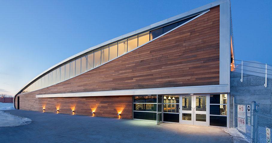 Aréna et pavillon de services de l'Universite du Québec à Chicoutimi (UQAC) Cecobois 2