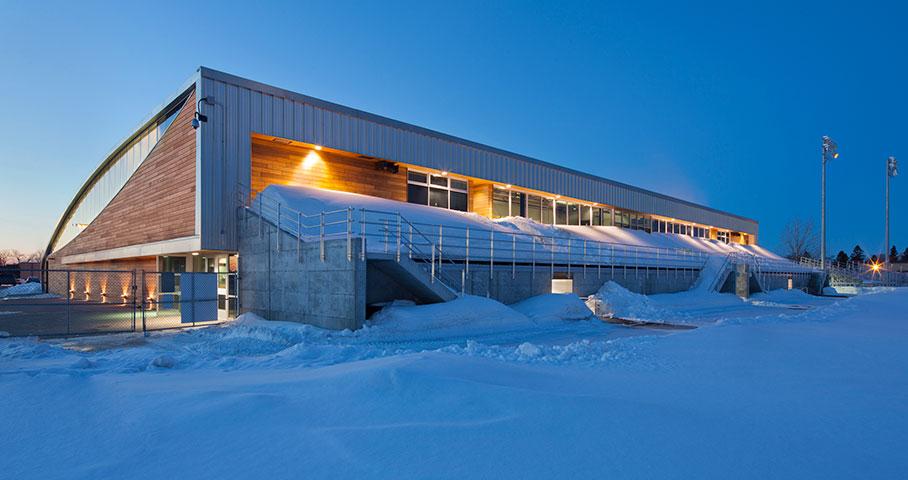 Aréna et pavillon de services de l'Universite du Québec à Chicoutimi (UQAC) Cecobois 3