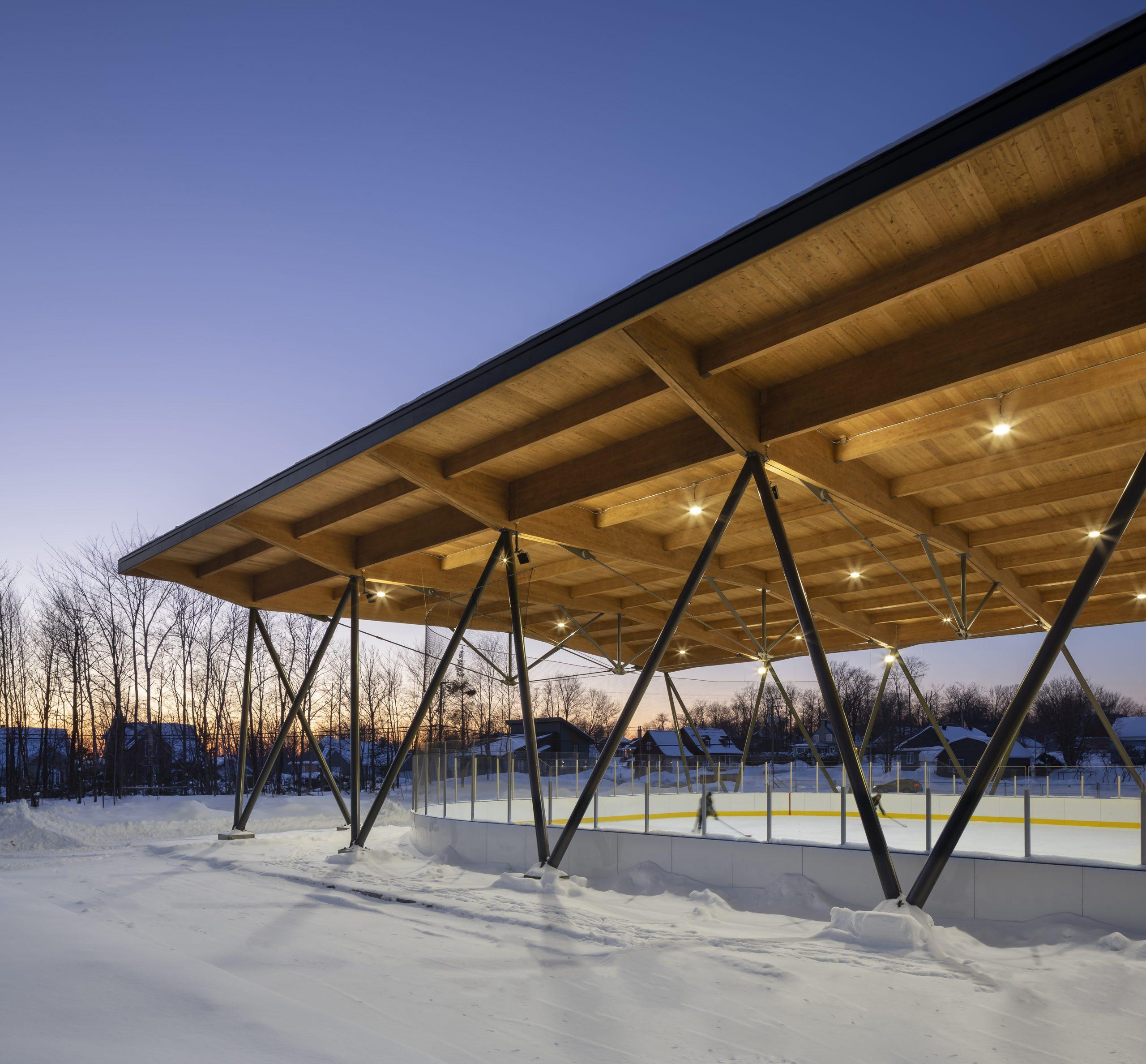 'Patinoire couverte du parc des Saphirs Cecobois