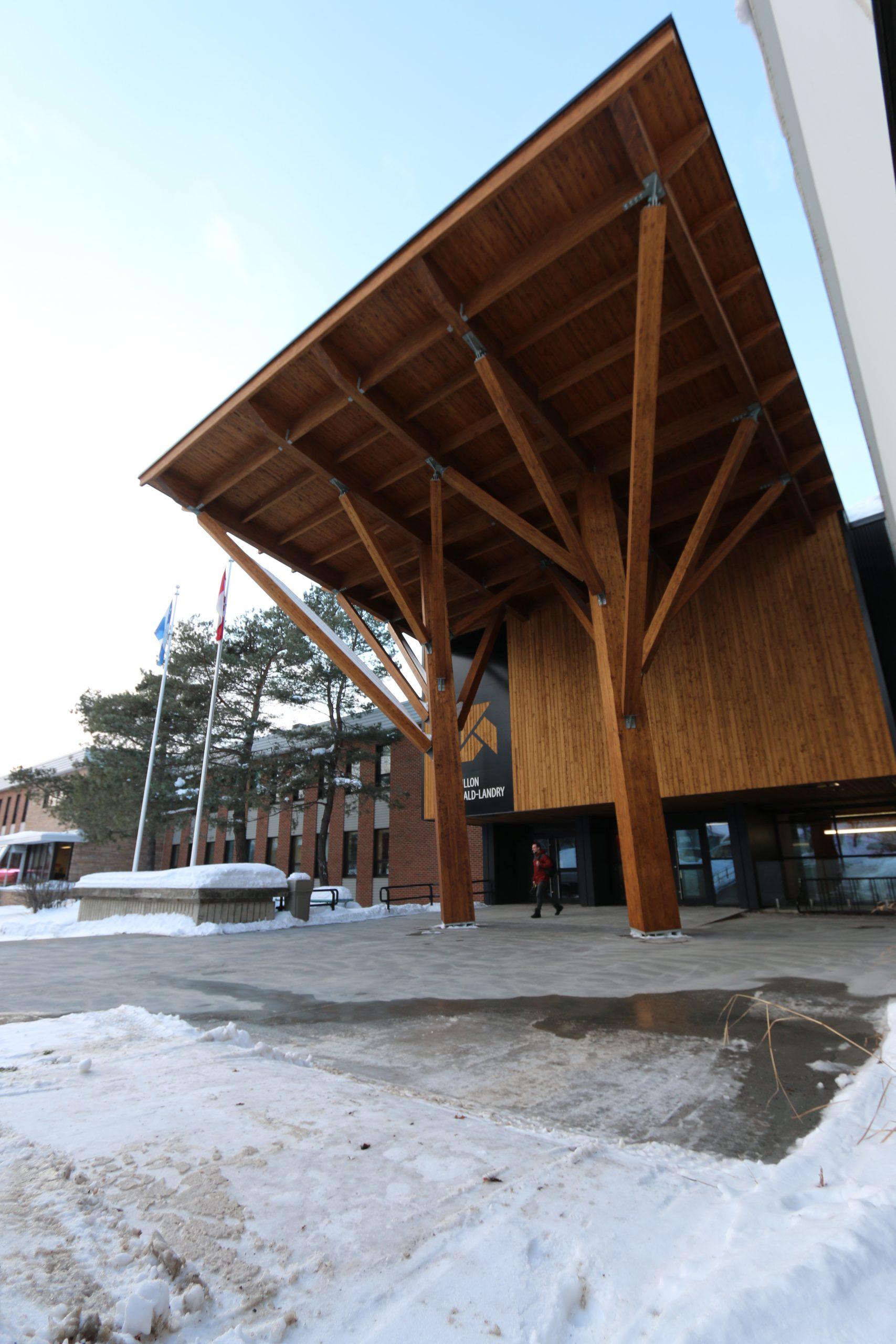 'Réfection de l'entrée principale du Cégep de Rivière-du-Loup Cecobois