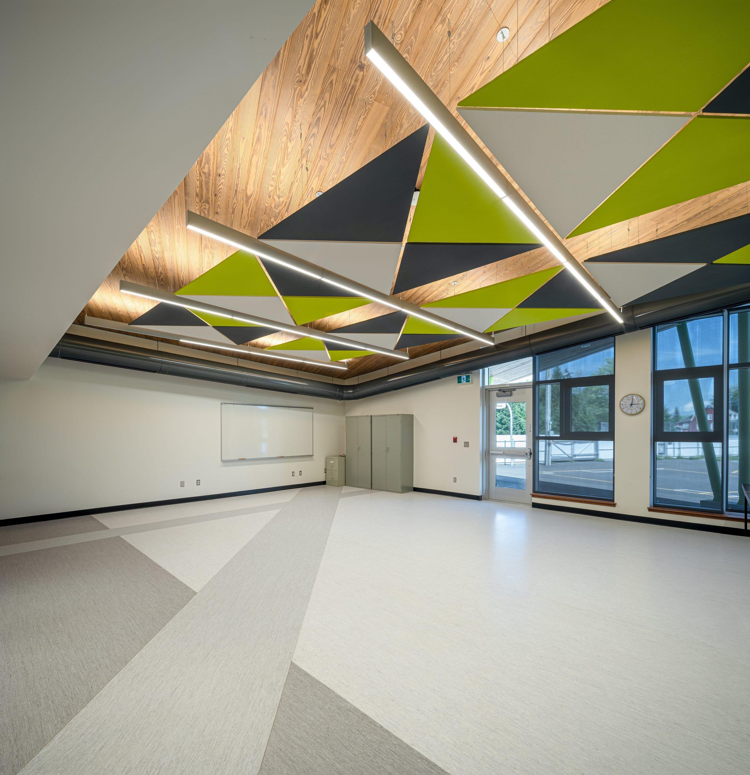Reconstruction de l'école Saint-Hugues – Saint-Marcel, immeuble Saint-Marcel Cecobois 7