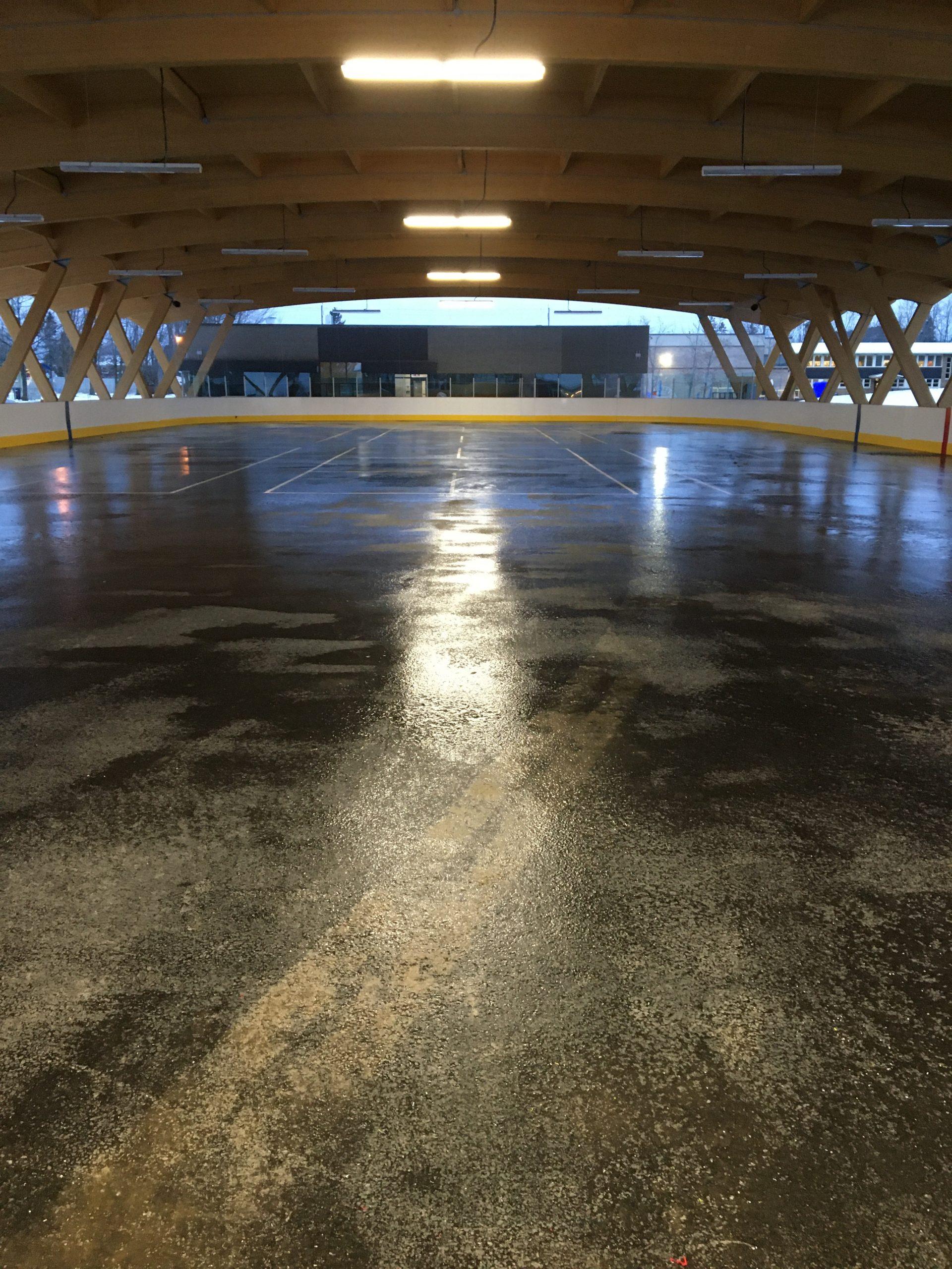 Toiture sur patinoire Cecobois 8