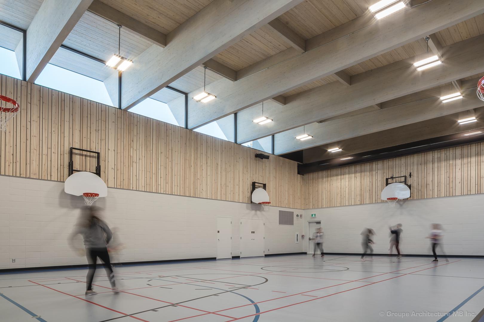 'Gymnase de l'école Saint-Victor-de-Petit-Matane Cecobois
