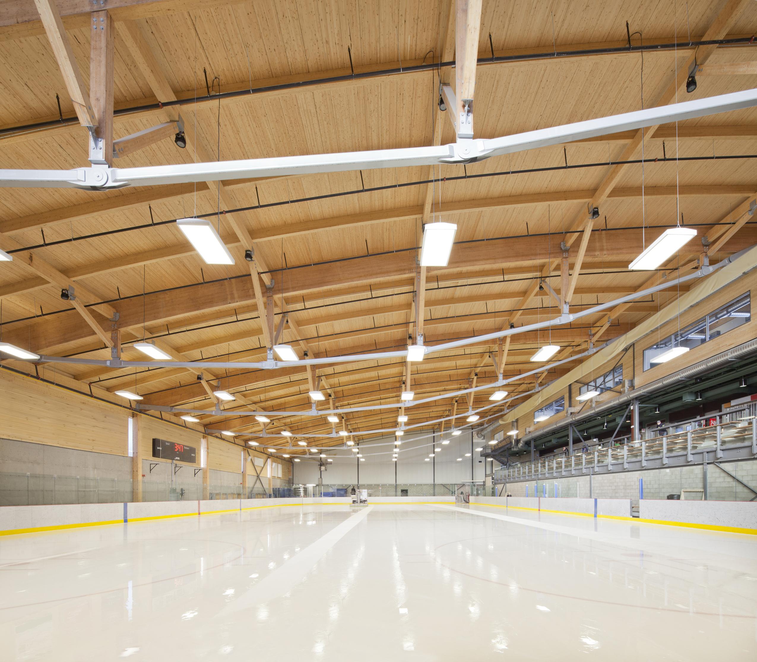 Aréna et pavillon de services de l'Université du Québec à Chicoutimi Cecobois 8