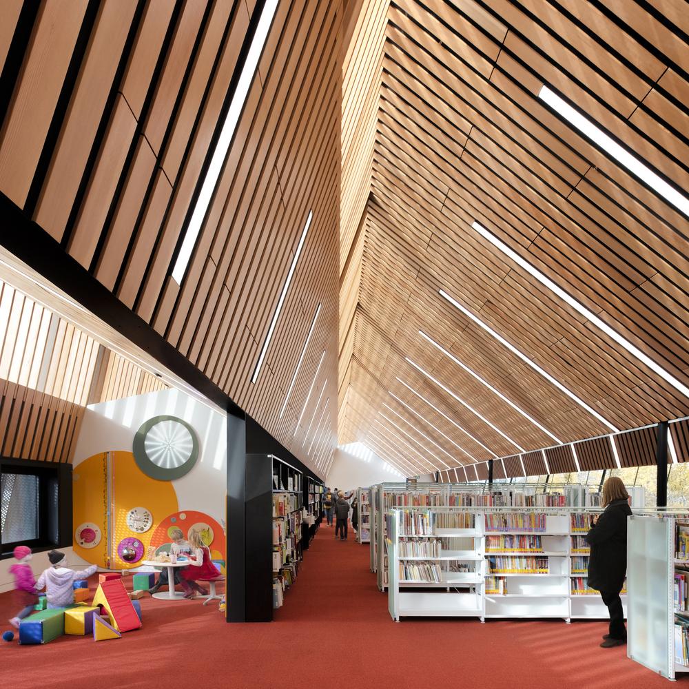 'Bibliothèque publique d'Edmonton (succursale Capilano) Cecobois